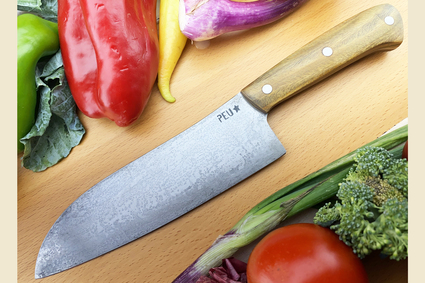 Chef's Knife (Santoku) with Argentine Lignum Vitae and O2 Carbon Steel