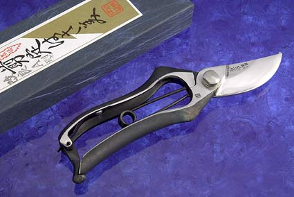 Ergonomic Japanese Pruning Shears 2 1/2 in., 8 in. Total Length