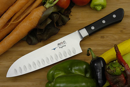 MAC Professional: Mighty Santoku - 6 1/2 in. (MSK-65)