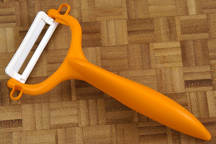 Kyocera Ceramic Peeler (CPN-10-NOR) - Orange
