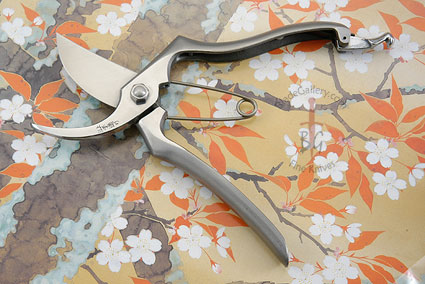 Ergonomic Japanese Stainless Pruning Shears (8 in.)