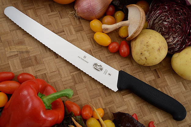 Victorinox Fibrox Bread Knife - 10-1/4 in. (40547)